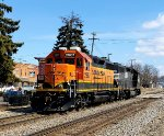 BNSF 2907 trails as the local power heads east